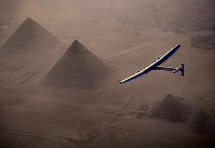 Conheça o primeiro avião movido à energia solar que deu a volta no planeta