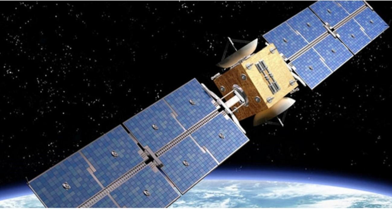 Satélite movido a energia solar fotovoltaica