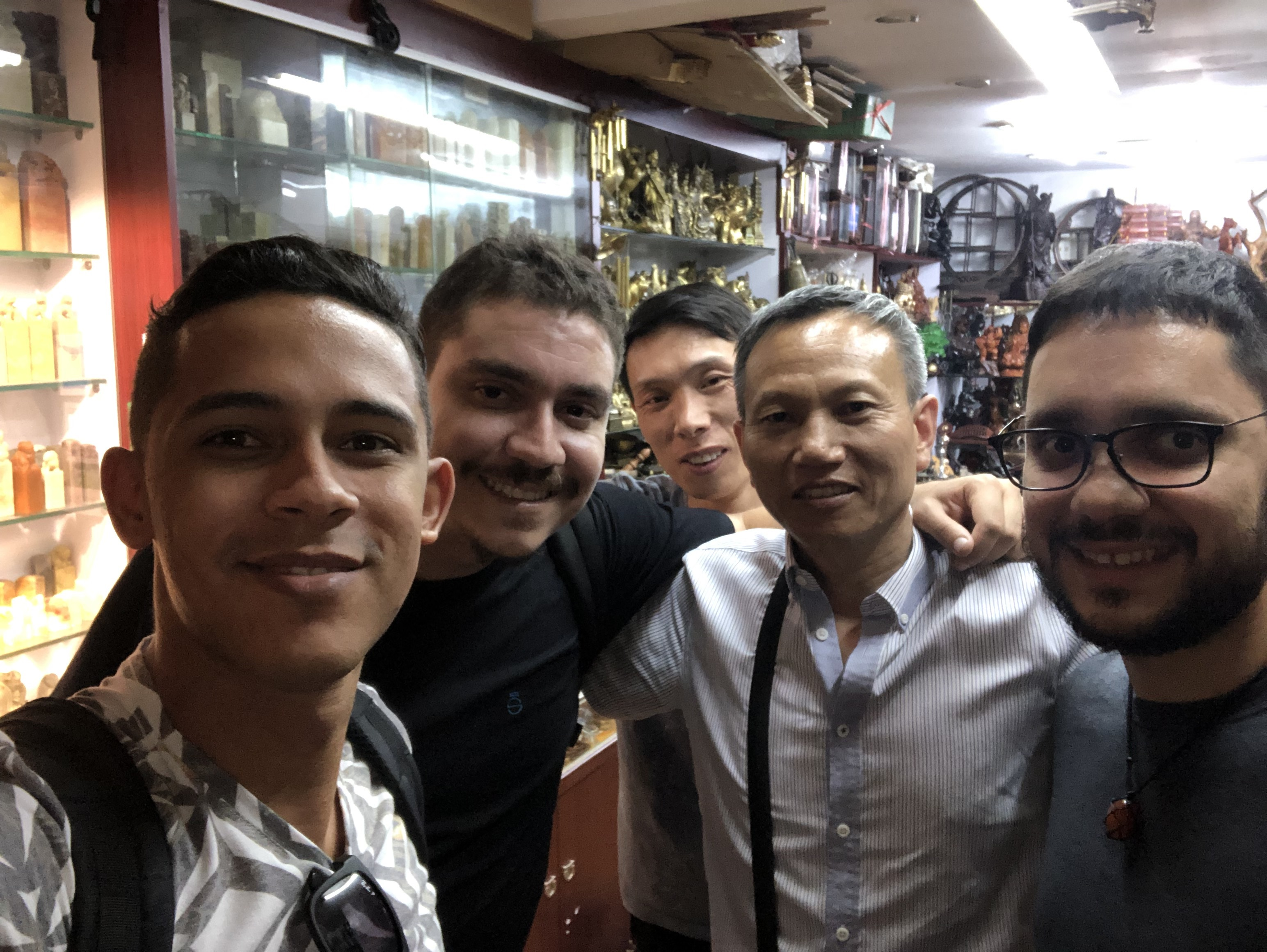 CEOs da Minha Casa Solar em visita na China.
