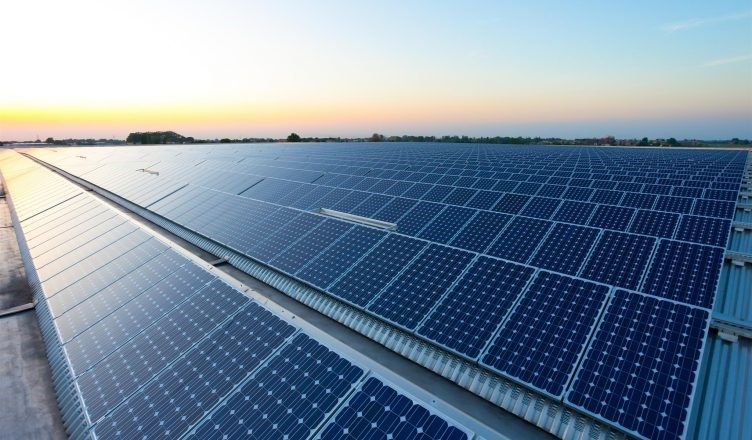Usina solar flutuante, localizada do litoral de Scheveningen